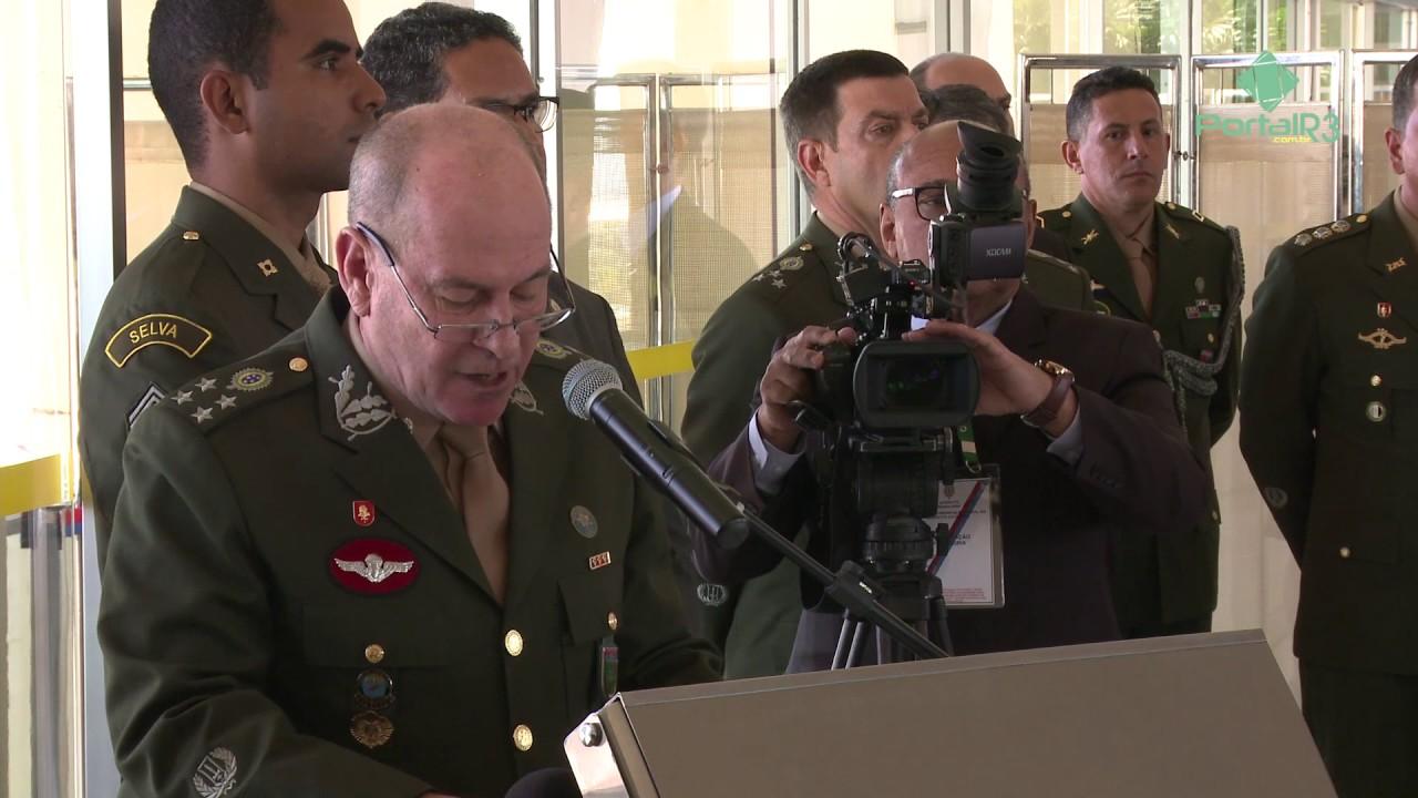 d811c1d84d38d Oficiais-generais do Exército recebem a espada de general em Brasília