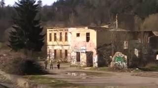 Opuštěné Stavby V Dalejském údolí A Lom S Jezerem