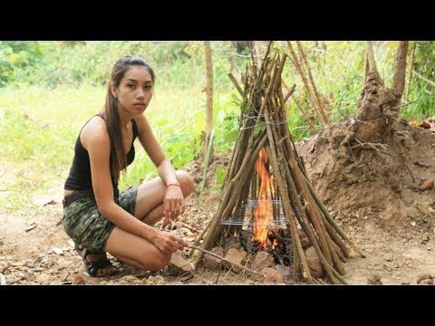 Primitive Technology How to make stove the forest wilderness/Khmer Survival Skills