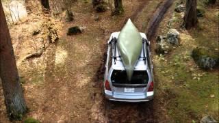 トミーは、ひとりでカヌーを車にのせるしかけを日曜に、手づくりでこし...