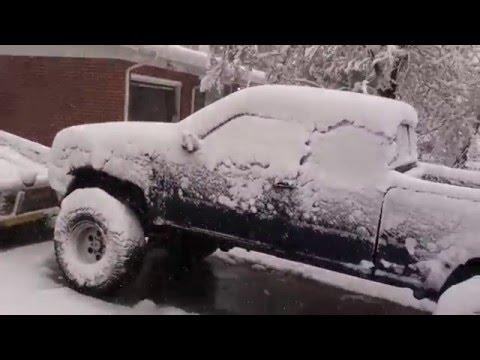 Spring blizzard in Englewood, Colorado 2016