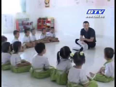 Mầm non iSchool Bạc Liêu - Học Tiếng Anh với Giáo viên nước ngoài.flv