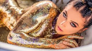 Sexy glitter bath photoshoot Фотосьемка «Золотая ванна»