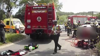 Tűzoltók az 1-es úti halálos baleset helyszínén