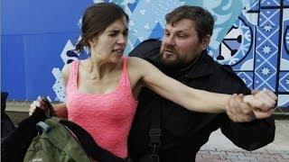 Pussy Riot üyelerine kırbaç - BBC TÜRKÇE