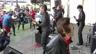2015年4月11日、小雨の中、横須賀市にある三笠公園野外音楽堂で開催され...