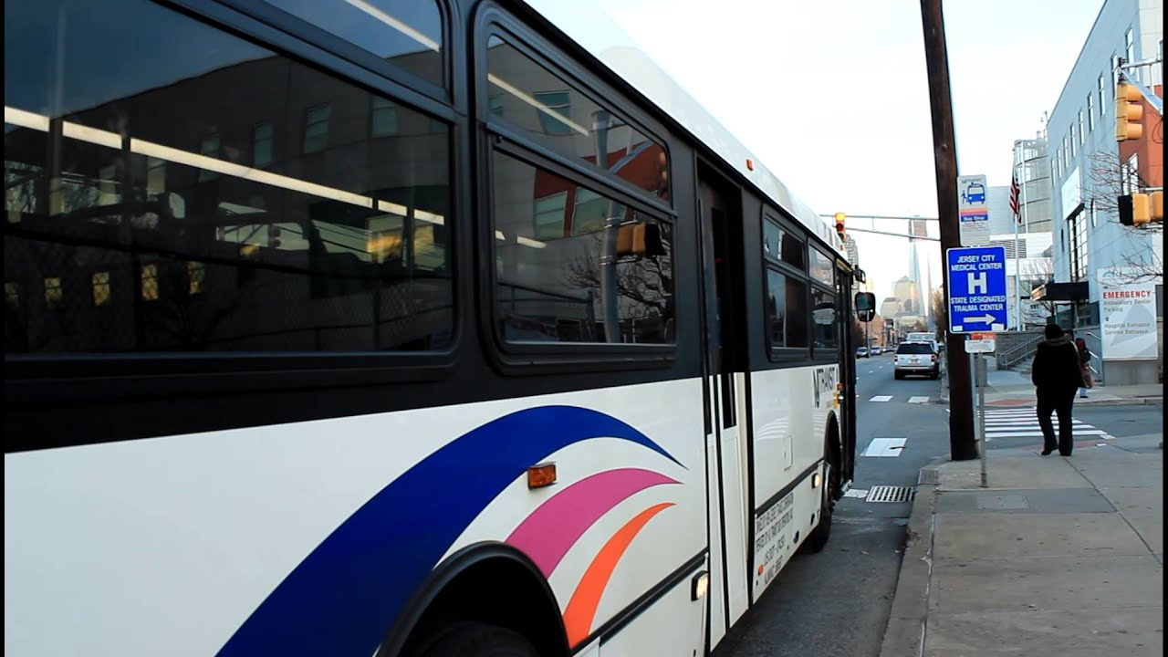NJ Transit Bus: Jersey City Bound 40SFW Route 81L [#5708] at Grand &  Monmouth Street