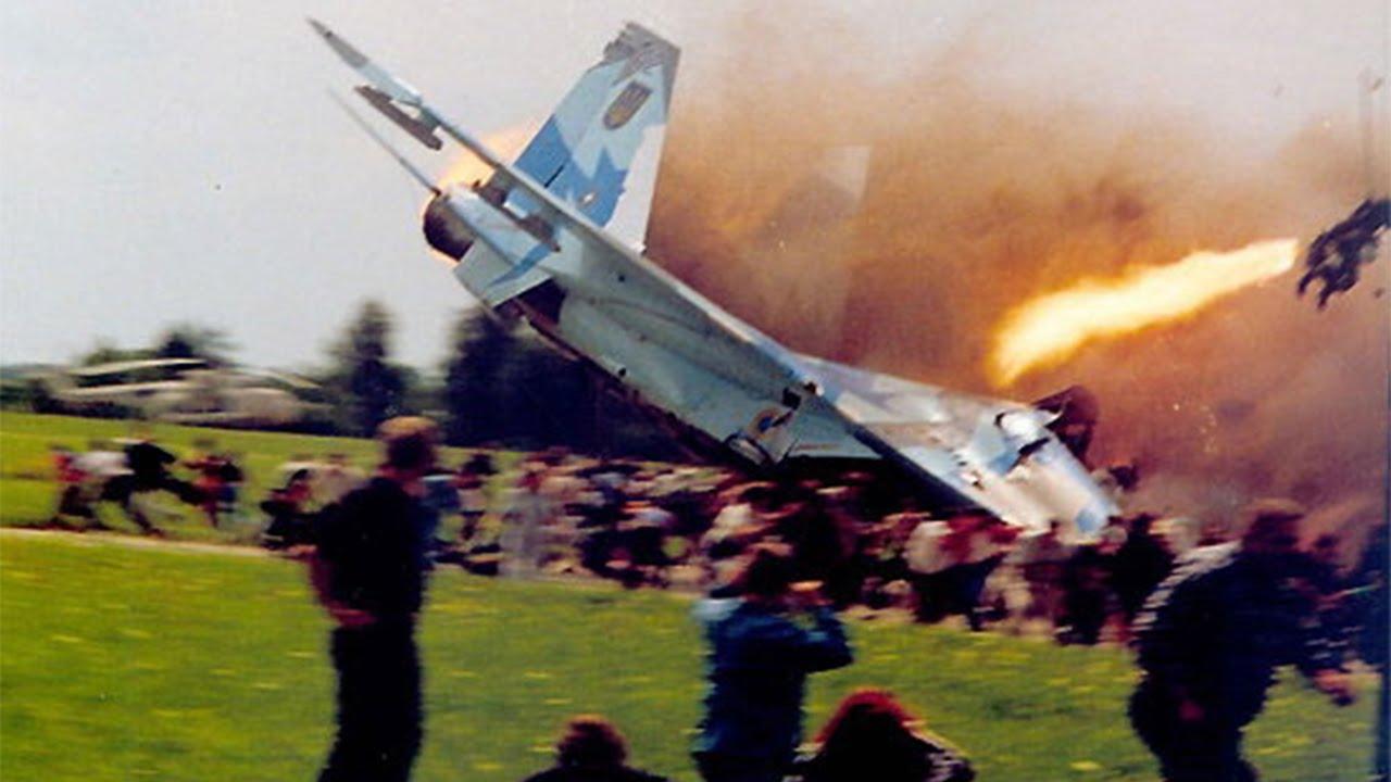 Top 15 Photos Taken Before Disaster Youtube