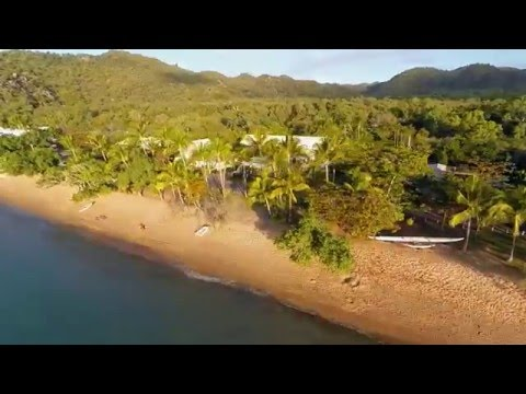 Villa Kembali Luxury Beachfront Holiday Home - Magnetic Island