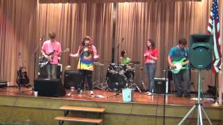 Circle of Rejects at the Hootenanny -