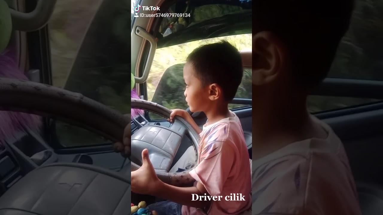 Anak Kecil Mengemudi Mobil Truk Youtube