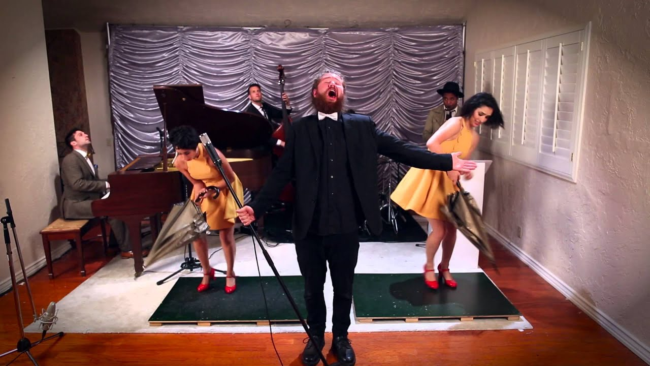 Umbrella - Vintage 'Singin' in the Rain' Style Rihanna Cover ft. Casey Abrams & The Sole Sisters