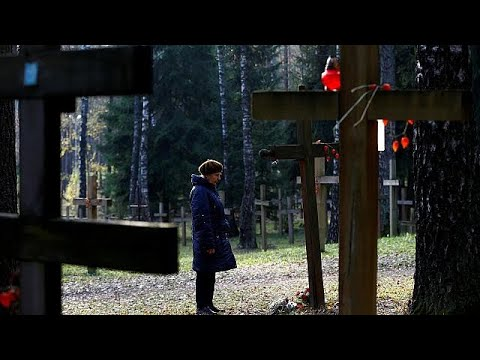 Belarus: Opposition commemorate victims of Stalin