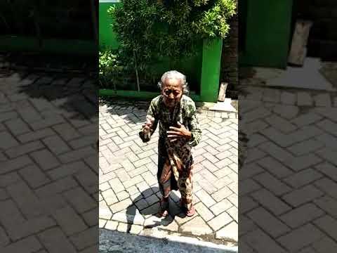 Viral Goyangan Nenek milenial Lagu Via Vallen