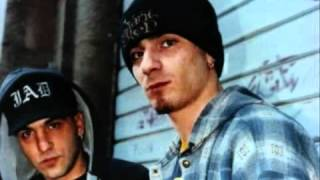 Dj Enzo feat. J-Ax _ Wonderbra - Quelli Come Me.mp4