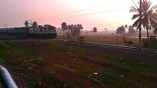 WAP7 fully advertized Kovai Exp smashes Anavardikhanpet