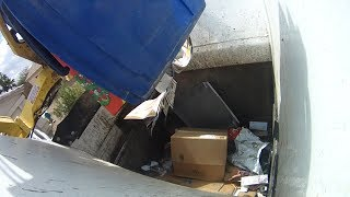 Finishing a Curbside Recycling Route with a Scorpion ASL [Hopper Video]