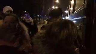 """""""Не провоцируйте, а то возьмем полицейских с собой!"""" Видео """"Корабелов.Инфо"""")"""