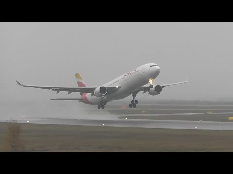 Iberia A330-300 low visibility takeoff at Helsinki Airport + Lufthansa B737-300 | HD
