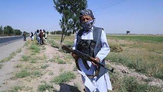 شبه نظامیان افغان برای جنگ با طالبان در هرات مستقر میشوند…
