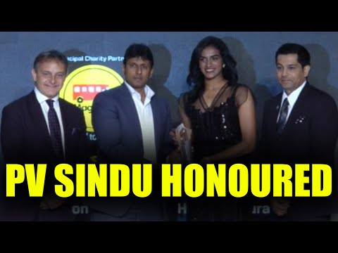PV Sindhu awarded Sportsperson of the Year by Sports Illustrated magazine | Oneindia News
