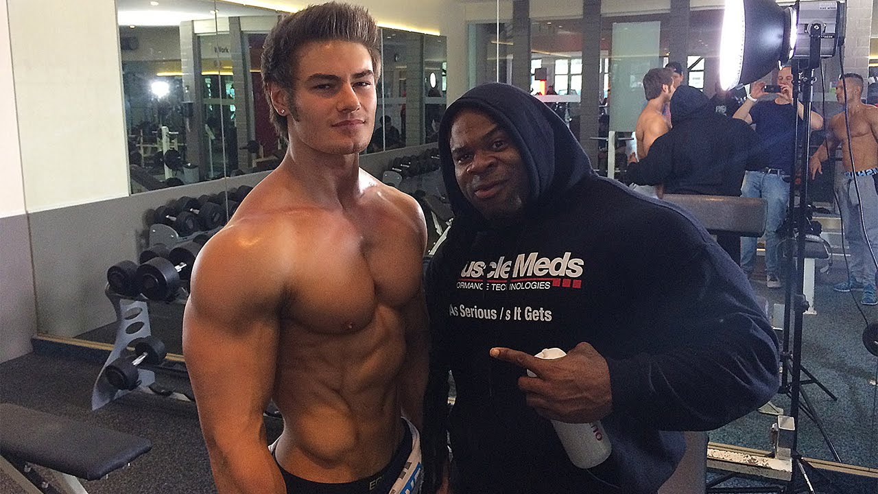 ifbb pro bodybuilder kai greene chest workout w pro mens