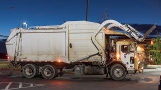 Peterbilt 320 - Heil DuraPack Half/Pack Garbage Truck