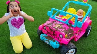 Gamze pretend play with Car Wash with Cleaning Toys and Ice cream