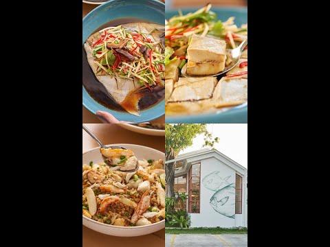 """[AD] ไม่ต้องไปไกลถึงชลบุรี! ก็แวะมาลิ้มลองอาหารชลบุรีแท้ ๆ ได้ที่ """"ชาวชล"""" 💥 ซอยลาซาล 46 ร้านอาหารสีขาวในบรรยากาศแมกไม้สุดปัง พร้อมเสิร์ฟอาหารไทย-จีน แบบจุก ๆ เครื่องแน่นกันไปเลย🤩 . มาถึง """"ชาวชล"""" จะไม่กินไม่ได้! """"ข้าวผัดไฟทะลุปูล้น"""" กลิ่นผัดมีความหอมกระทะมาเต็ม ตักทุกคำเจอปูก้อนใหญ่ที่ใส่มาแบบล้น ๆ กินคู่น้ำจิ้มซีฟู้ดแซ่บ ๆ มาต่อที่ เมนูสุดพิเศษ! """"เต๋าเต้ยนึ่งซีอิ๊ว"""" ปลาทะเลสด ๆ ที่เป็นไอคอนของ """"ชาวชล"""" 😋 ตบท้ายด้วยสองเมนูสุดแซ่บ ซดซุปร้อน ๆ เสริมรสชาติจัดจ้านกับ """"โป๊ะแตกอ่าวอุดม"""" ถึงเครื่องกลมกล่อม เน้นเรื่องวัตถุดิบใหญ่ ๆ สด ๆ แน่น ๆ ✨ ล้างปากอีกนิดด้วย เมนูของหวาน ที่นี่เขาทำสดวันต่อวัน """"ขนมก้นถั่ว"""" อาหารพื้นเมืองขึ้นชื่อของพนัสนิคม กะทิเข้มข้นหอมนวลถั่วคั่ว ดีงามมาก . ใครกำลังมองหาร้านอาหารแบบคนชลบุรีแท้ ๆ แนะนำลองมาที่นี่💗 ⚡️สนใจสำรองที่นั่ง หรือสอบถามข้อมูลเพิ่มเติม ติดต่อ 095-371-6888 หรือ ไลน์ @chaochon ได้เลย . 📌 พิกัด : บริเวณซอยลาซาล 46 ☎️ โทร.095-371-6888 ⏰ เวลาเปิดปิด : เปิดทุกวันตั้งแต่เวลา 11.00-22.00 น. . 👉🏻 ข้อมูลร้านและรีวิว https://www.wongnai.com/articles/chao-chon"""