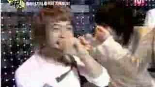 Xiah Junsu embarrass!!