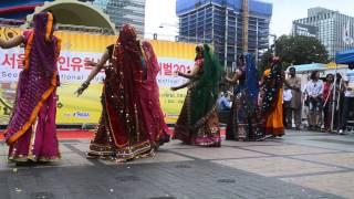 Nagada Sang dhol baje Gujarathi Dandiya Garba Fusion