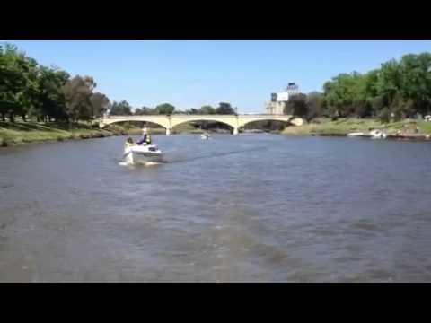 Hartley TS16 trailer-sailer Yarra River cruise in Melbourne