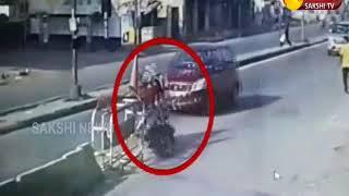 Uppal Road Accident || 1 Died Brutally | Hyderabad || Sakshi TV