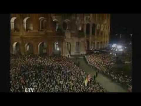 Thousands attend Colosseum service
