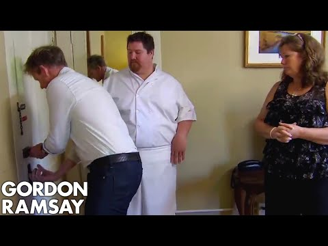Download Youtube: Gordon Repeatedly Struggles to Open a Door | Hotel Hell