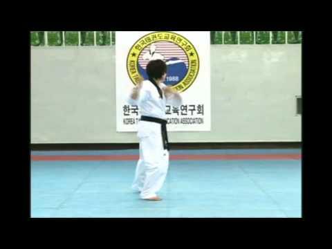 Quyền Taekwondo bài số 17 hệ WTF
