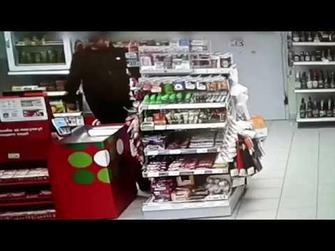 Полиция Волгограда ищет трех воров, укравших деньги из кассы магазина