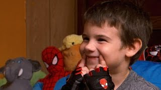 Repeat youtube video After losing parents, 6-year-old boy seeks smiles