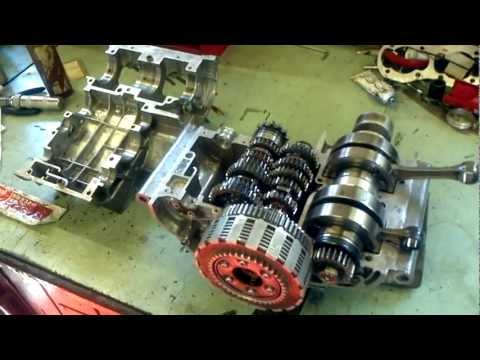 Suzuki T20 Engine Reassembly (1) - the bottom end