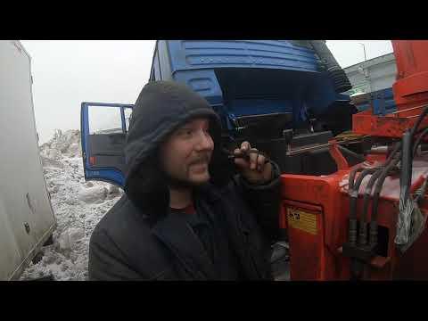 Виталик - МОЗГ, наша гордость. Сделал сам коробочку с мозгами управления электронной педалью газа...