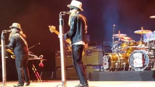 ZZ Top - Under Pressure -9/9/16 Jones Beach Stage View Opening Number