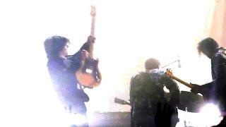 Baixar Alex Turner sings in German: TLSP - Mein Haartrockner Ist Kaputt [Live in Berlin - 23-08-2016]