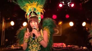 セクシー美女3人の歌をお聞き下さい! 高木梓 動画 26