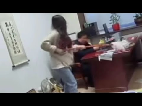 Woman beats boss with mop after Sexually harasses her in China boss fired 😡 SssLifeNxtlvl