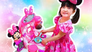 Hane and Mari play Disney Minnie Happy Helpers Brunch Cafe Toy