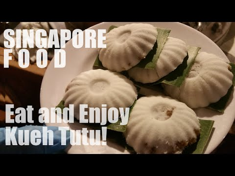 Singapore Food - Eat and Enjoy Kueh Tutu, Traditional Snack