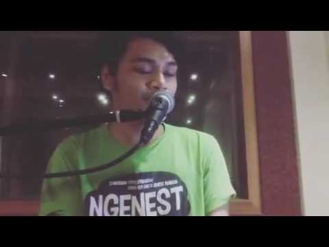 Mikha Angelo - A Thousand Miles (Short Cover)