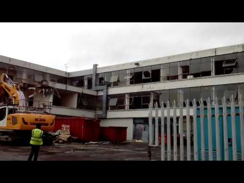 Possilpark Secondary School being demolished - 01/04/16
