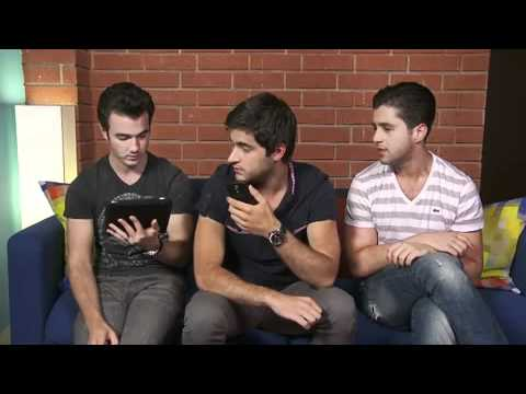 Kevin Jonas and Deleasa Live Chat on Cambio - July 12, 2011