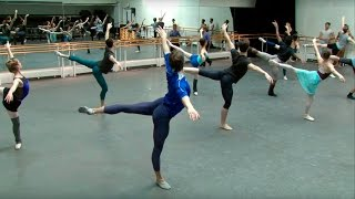 The Royal Ballet Class (centre) – World Ballet Day 2015